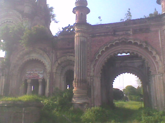 "The side view of ""Navlakha Mahal"""